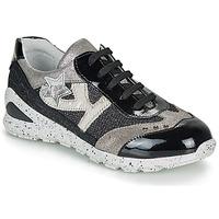 Skor Flickor Sneakers Ikks FIONA Svart / Silver