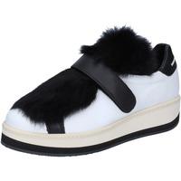 Skor Dam Sneakers Manuel Barcelo sneakers pelle pelliccia Bianco