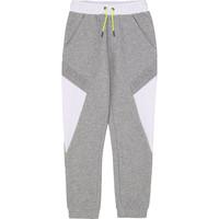 textil Pojkar Joggingbyxor BOSS J24664 Grå