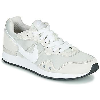 Skor Dam Sneakers Nike VENTURE RUNNER Beige / Vit