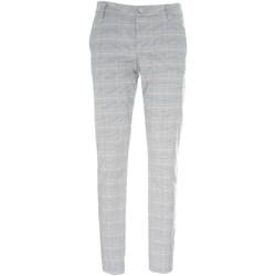 textil Dam Chinos / Carrot jeans NeroGiardini P960500D Svart