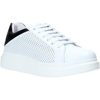 Skor Herr Sneakers Rocco Barocco N5.3 Vit