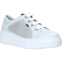Skor Dam Sneakers CallagHan 14919 Grå