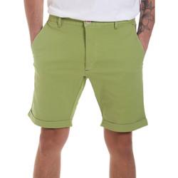 textil Herr Shorts / Bermudas Gaudi 811FU25023 Grön