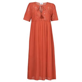 textil Dam Långklänningar Betty London ORVILLE Rostfärgad