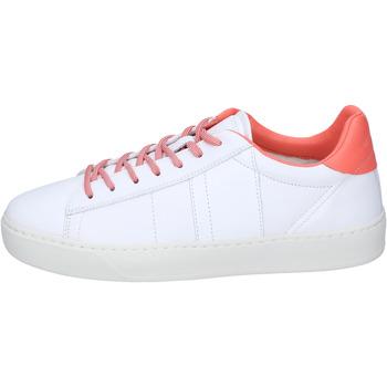 Skor Dam Sneakers Woolrich Sneakers Pelle Bianco