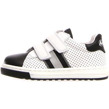 Skor Barn Sneakers Naturino 2014816 01 Vit