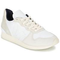 Skor Dam Sneakers Veja HOLIDAY LOW TOP Vit / Beige