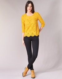 textil Dam Skinny Jeans Levi's INNOVATION SUPER SKINNY Svart / Galaxy